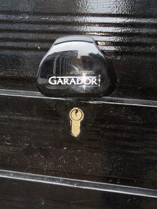 Garage door locks in Roslin